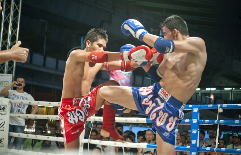 Click to enlarge image 123-tw-thai-boxing-01.jpg
