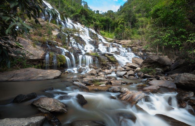 mae-ya-waterfall-by-123-tw-01