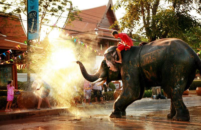 songkran-festival-by-123-tw-01