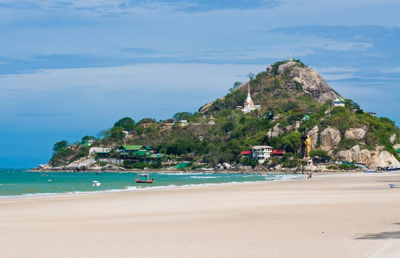 hua-hin-beach-by-123-tw-02