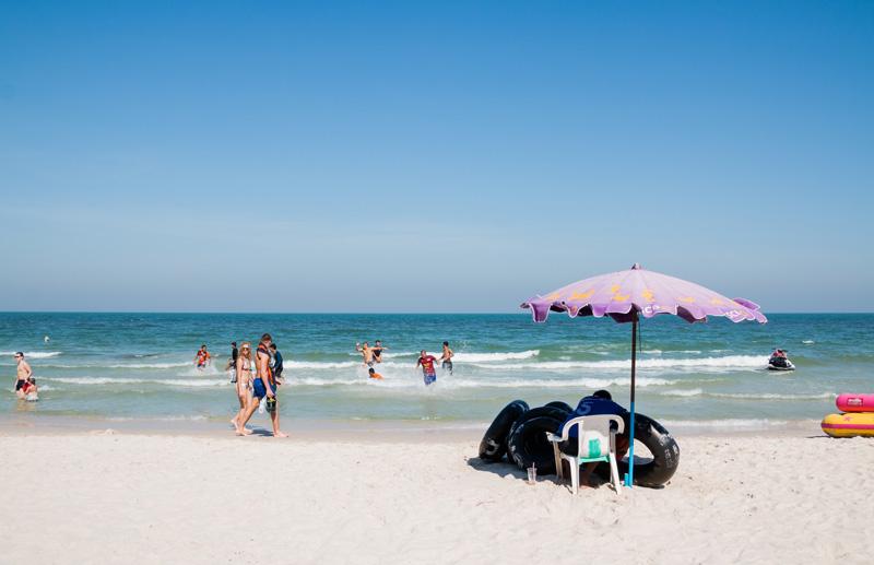 hua-hin-beach-by-123-tw-03