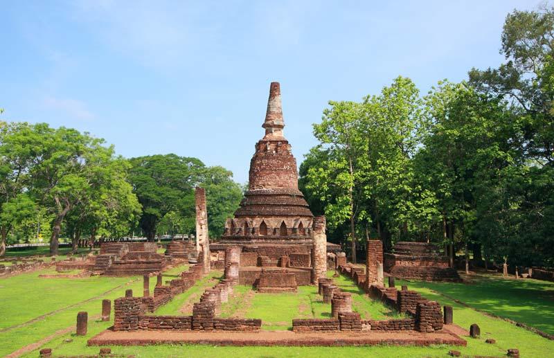 kamphaeng-phet-historical-park-by-123-tw-01
